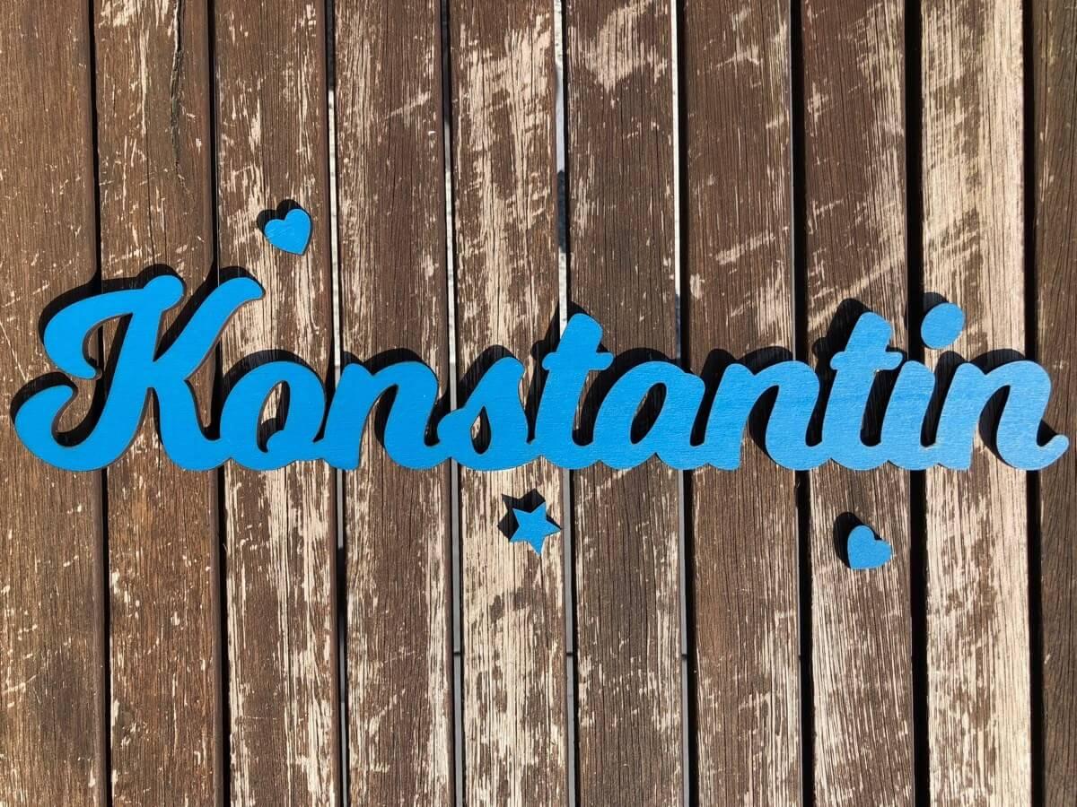 Schriftzug Holz Personalisiert in Wunschfarbe