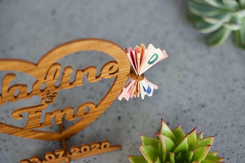 Bestseller Hochzeitsgeschenk Holz   Personalisiertes Geschenk zur Hochzeit, Geburtstag oder Jahrestag