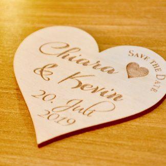 Hochzeit 5er-Set Save The Date-Karte Herz aus Holz mit Gravur Hochzeit Polterabend Kühlschrankmagnet