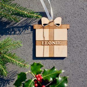 Weihnachten Weihnachtskugel mit Namen in Wunschfarbe– Geschenk – Christbaumkugel Christbaumschmuck Weihnachtsbaumkugel