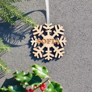 Weihnachten Weihnachtskugel mit Namen in Wunschfarbe– Schneeflocke – Christbaumkugel Christbaumschmuck Weihnachtsbaumkugel