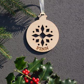 Weihnachten Weihnachtskugel mit Namen in Wunschfarbe– Ornament – Christbaumkugel Christbaumschmuck Weihnachtsbaumkugel
