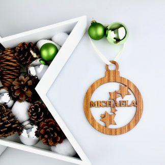 Weihnachten Weihnachtskugel mit Namen in Nussbaum – Kugel mit Sternen – Christbaumkugel Christbaumschmuck Weihnachtsbaumkugel