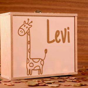 Spardose für Kinder mit Namen und Motiv aus Holz