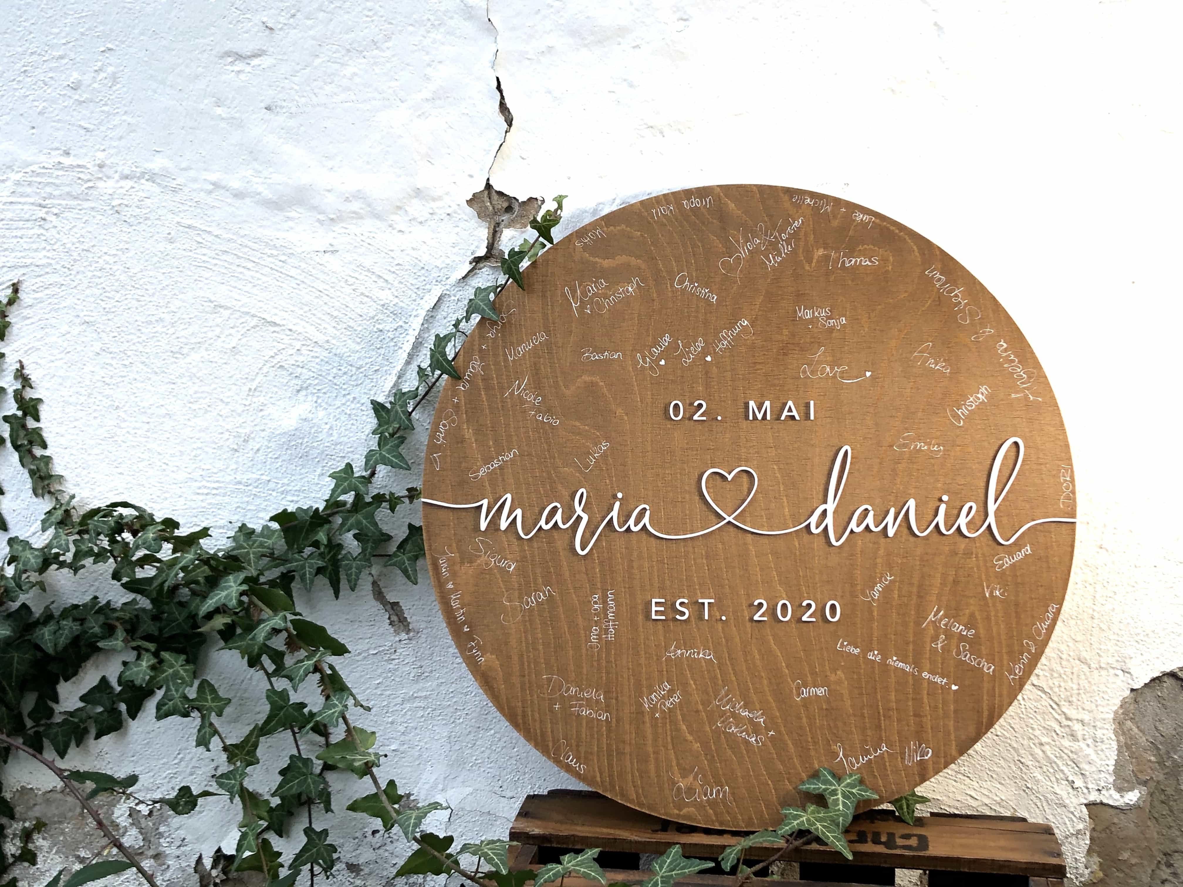 Rundes Gästebuch zur Hochzeit als Alternative