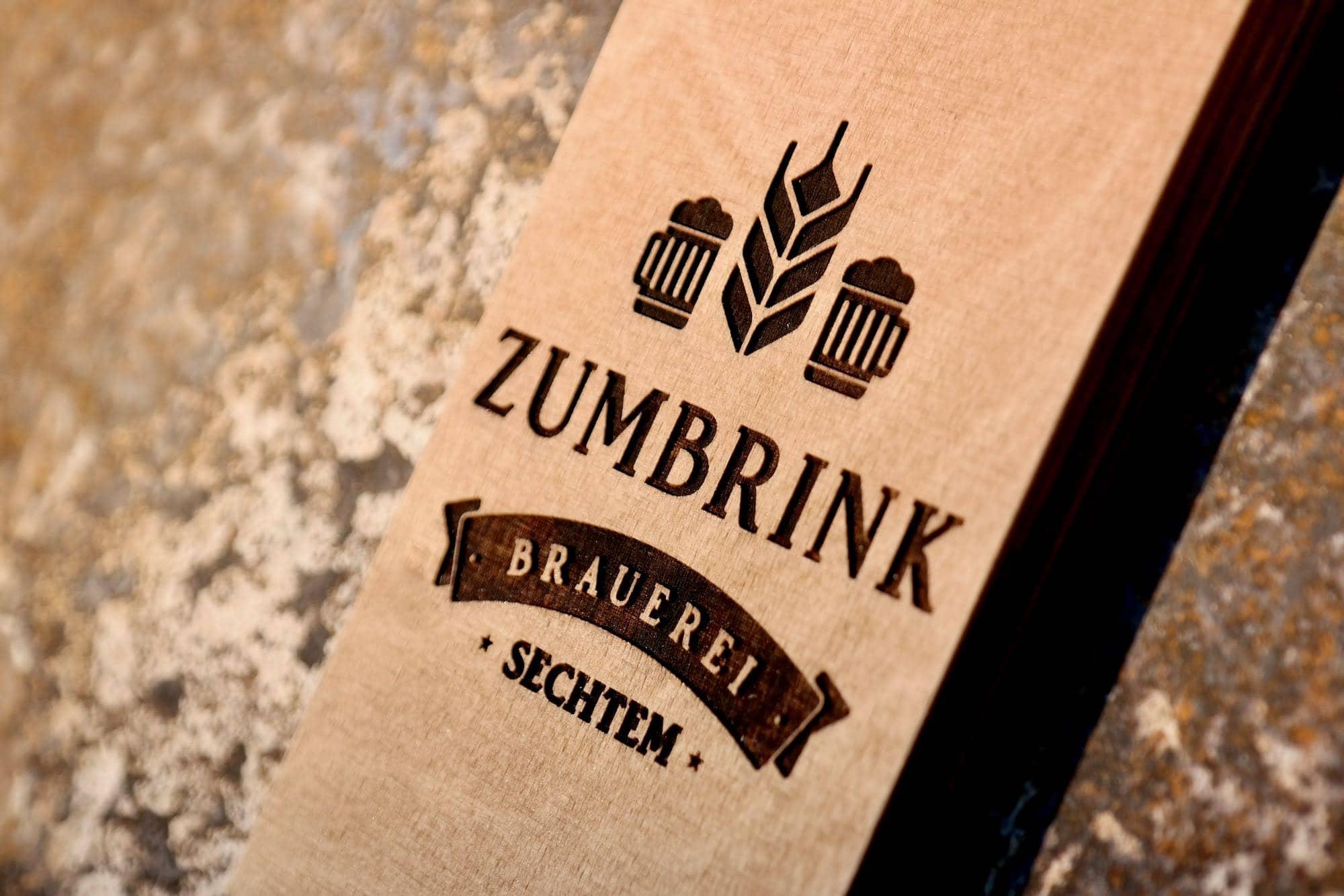 Wandflaschenöffner Holz Personalisiert