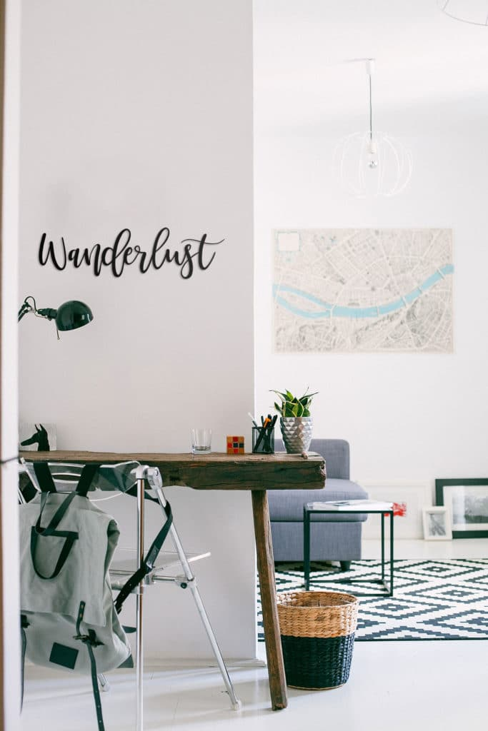 Büro Koordinaten – Schriftzug aus Holz zum Aufkleben in Wunschfarbe